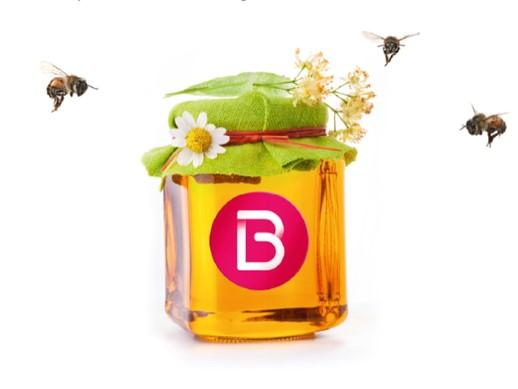 Pot de miel issu des ruches situées sur le toit du nouveau centre commercial Beaugrenelle (Paris 15)