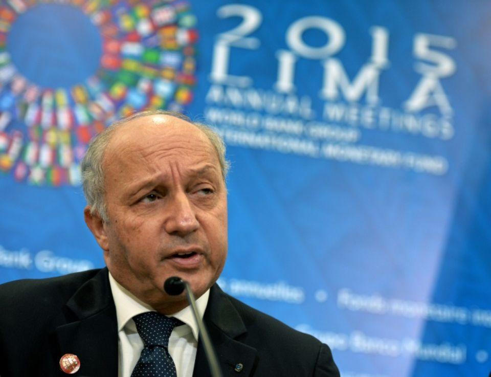 816104-le-ministre-francais-des-affaires-etrangeres-laurent-fabius-le-9-octobre-20145-a-lima