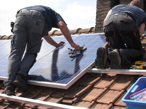 solar-panels-944000_640
