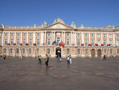 Toulouse: 100% d'électricité propre éclaire public