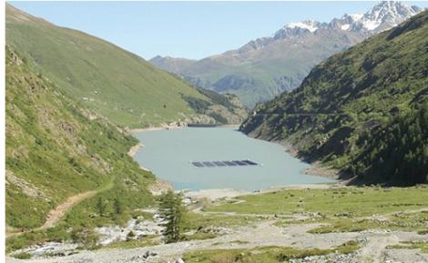 Romande Energie test un projet de parc solaire flottant