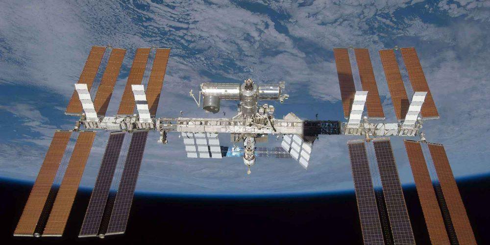 ISS : une bactérie inconnue découverte