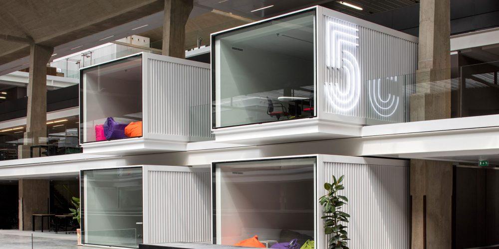 La Station F, plus grand hub de startup au monde, ouvre ses porte dans le 13e arrondissement de Paris