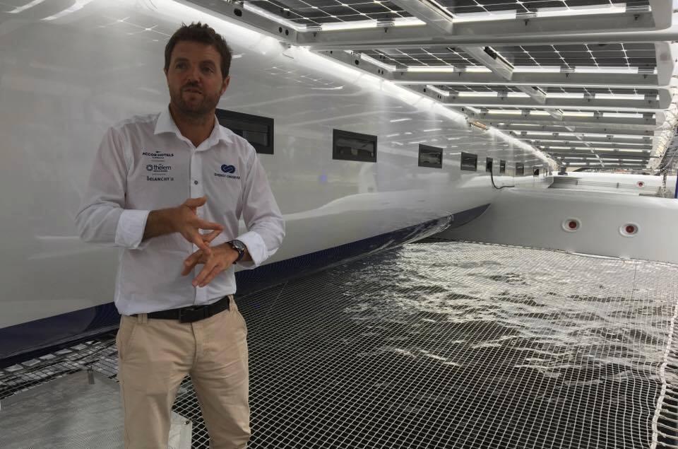 Catamaran énergies renouvelables visite avec Victorien Erussard