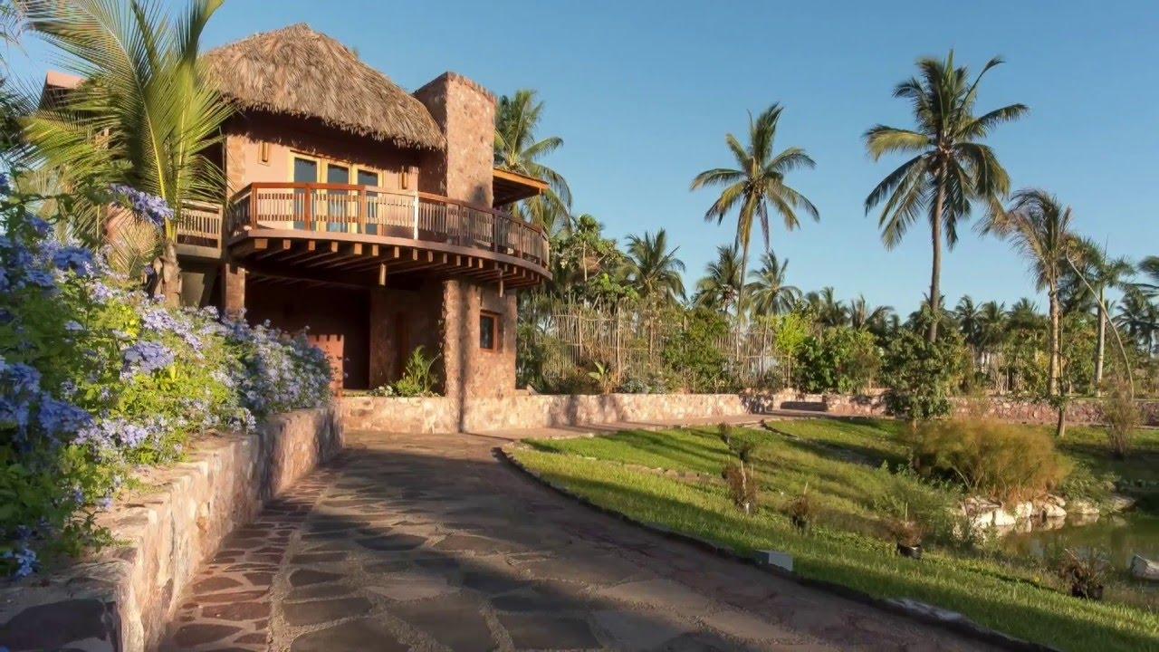 Architecture tropicale dans la ville touristique la plus écolo du monde