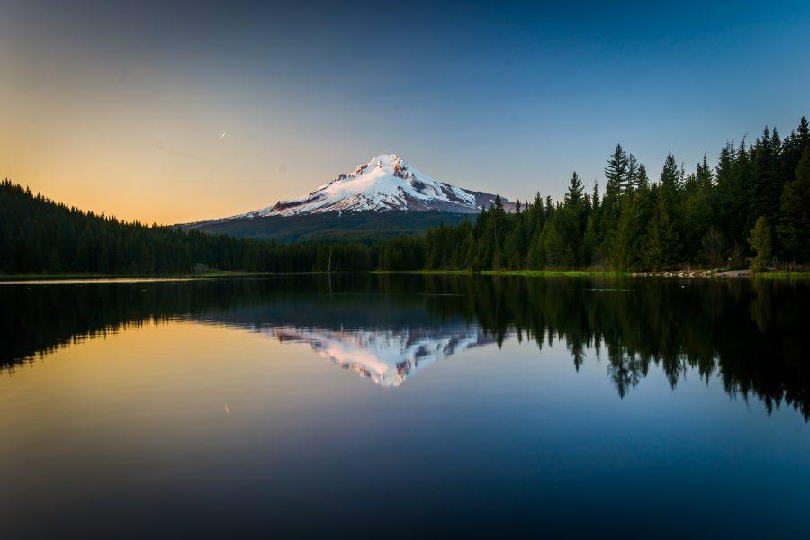 Mount Hood se reflète dans Trillium Lake - Forêt Nationale de Mount Hood