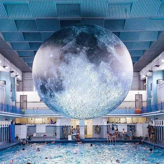 Rennes lune piscine planétarium