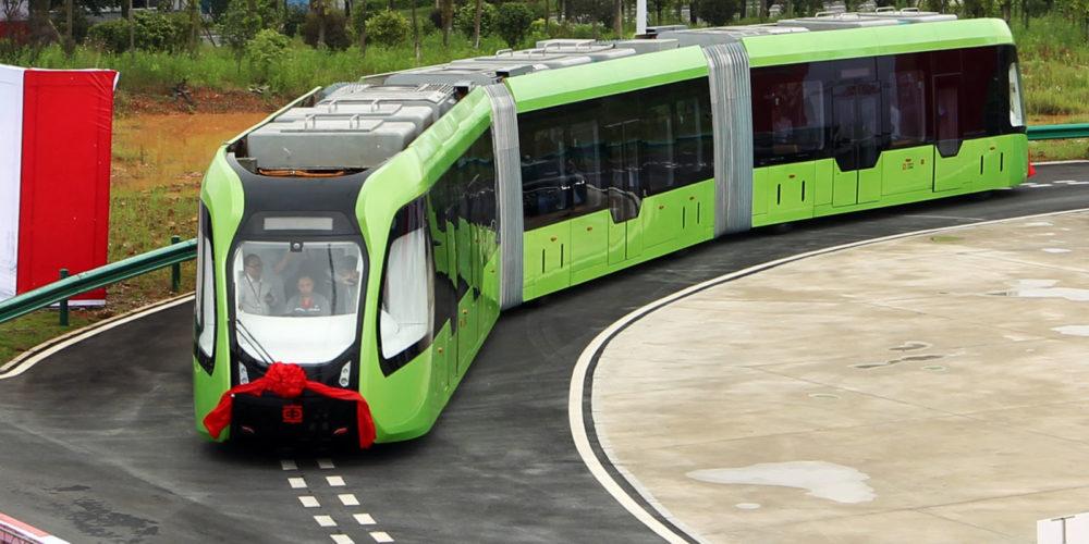 Chine : un tram sans rails ni chauffeur