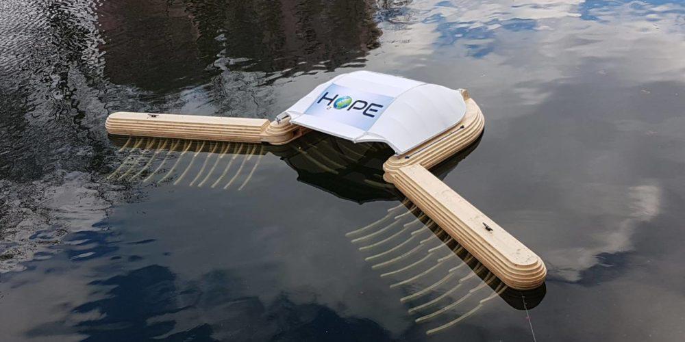 Strasbourg : cet aspirateur aquatique repêche les déchets des rivières