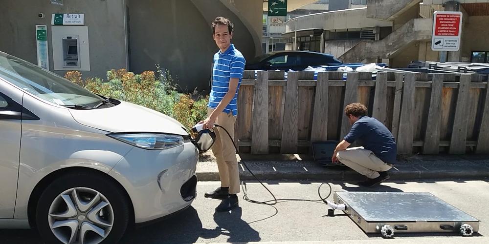 Des robots mobiles pour recharger sa voiture n'importe où