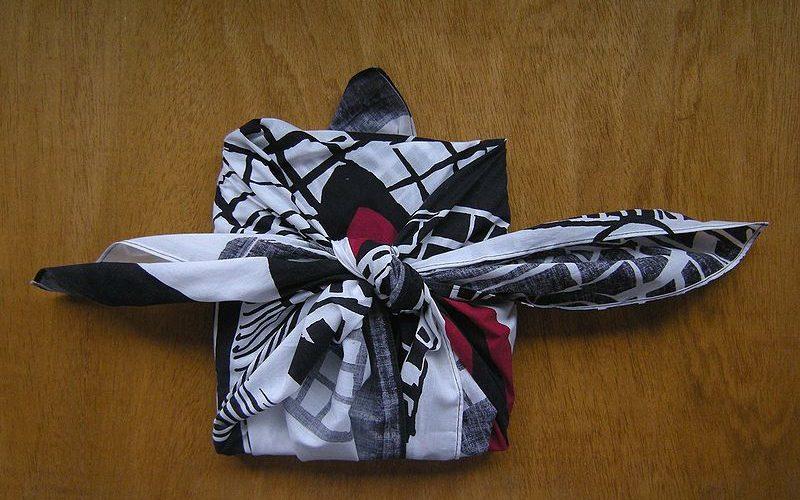 3 astuces pour emballer ses cadeaux avec un Furoshiki